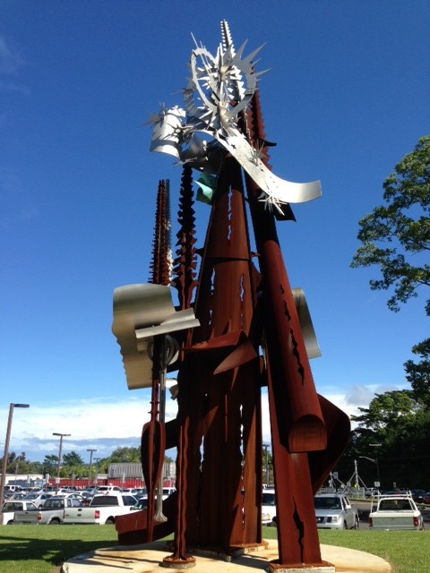 This controversial new sculpture now adorns the UH-Hilo entrance. Photo by Nate Gaddis.