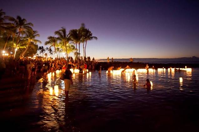 hospice hosts floating lanterns ceremony big island now