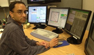 UCR Astronomer Naveen Reddy at work at Keck's Waimea headquarters this past spring. Photo by Brian Siana/UCR.