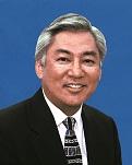Sen. Les Ihara. Senate photo.