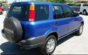An example of an older-model Honda CRV.