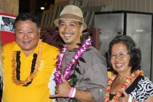 Chef Lyndon Honda with Mayor Alan Arakawa and Mrs. Ann Arakawa at last year's Project Kōkua for Hawaiʻi Island on Maui. Photo credit: Kaʻuhane Inc.