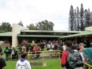 Kohala Students gathered for the official mural unveiling and rally, which included anti-meth activities by the Hawai'i Meth Project and participation by the Hawai'i County Police Department. Photo credit: Keep It Flowing LLC.