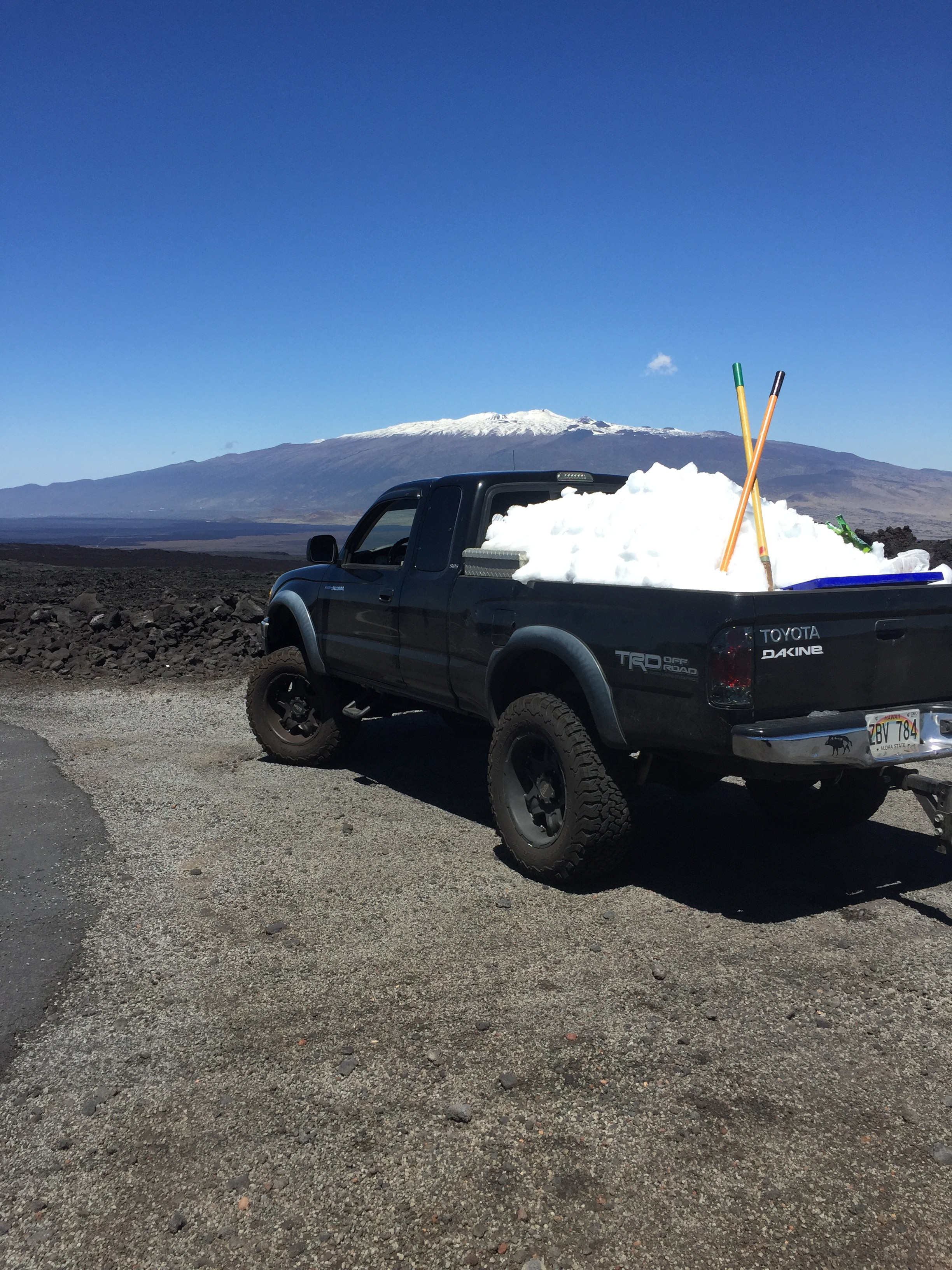 Mauna Loa snow on 3.15.15 / Image: Rochelle Hunt