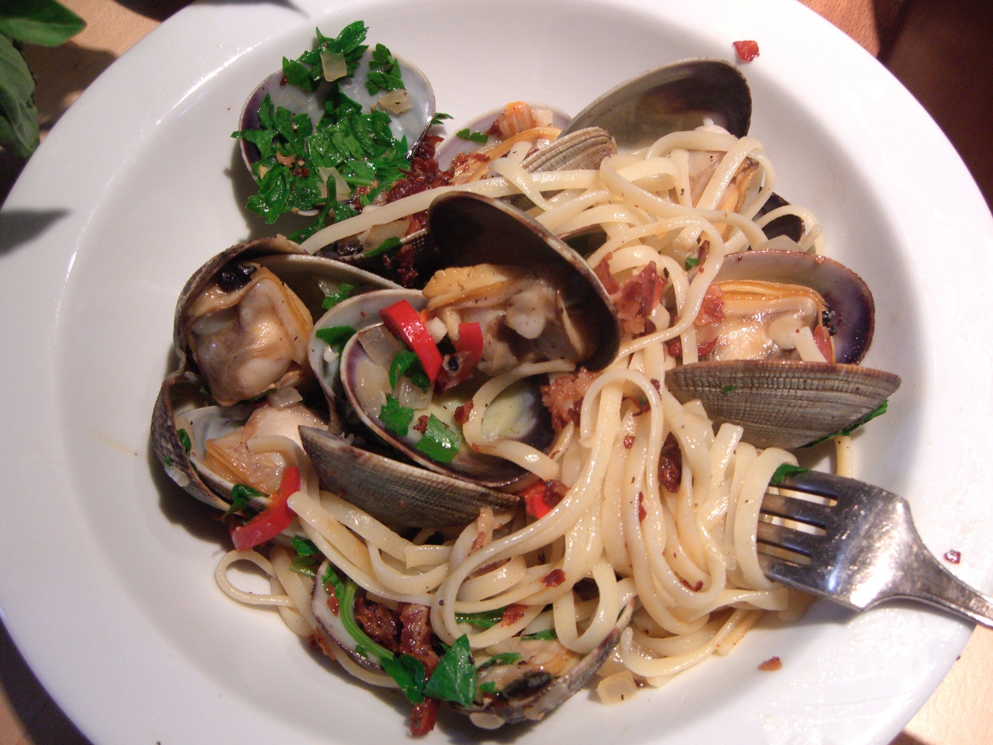 RECIPE: Linguine with Manila Clams, Pancetta, and Hot Peppers | Big ...