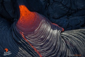June 25: The skin of a breakout cools to form those ropey braids pahoehoe is so well known for.  Photo: Extreme Exposure Media/Paradise Helicopters.