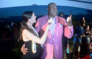 Big Island Now's Malika Dudley interviews Hawaii Five-0's Chi McBride on the red carpet