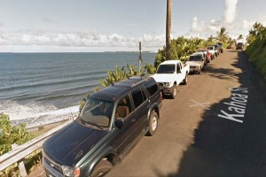 Kahoa Street and Honoli'i Beach Park. Google Street View image.