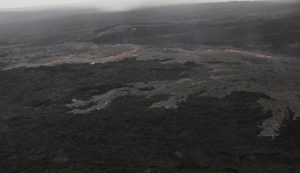A slightly closer view of the lava flow from the eastern breakout on Puʻu ʻŌʻō. USGS/HVO photo.