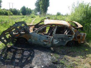 abandon vehicle junk car derelict