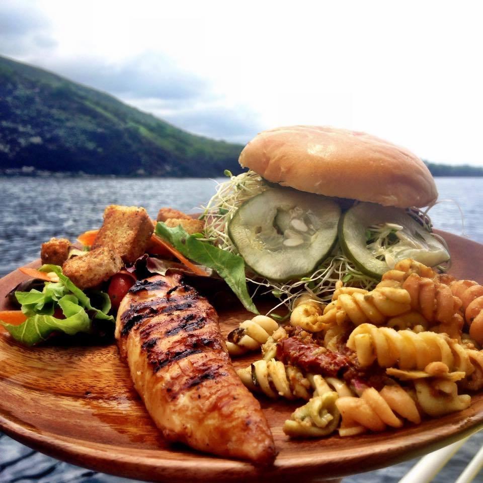 Hula Kai lunch. Karen Rose photo.