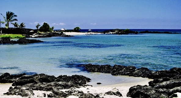 Beautiful crystal clear waters and white sandy shore at Kaloko-Honokōhau National Historical Park. Darde Gamayo photo.