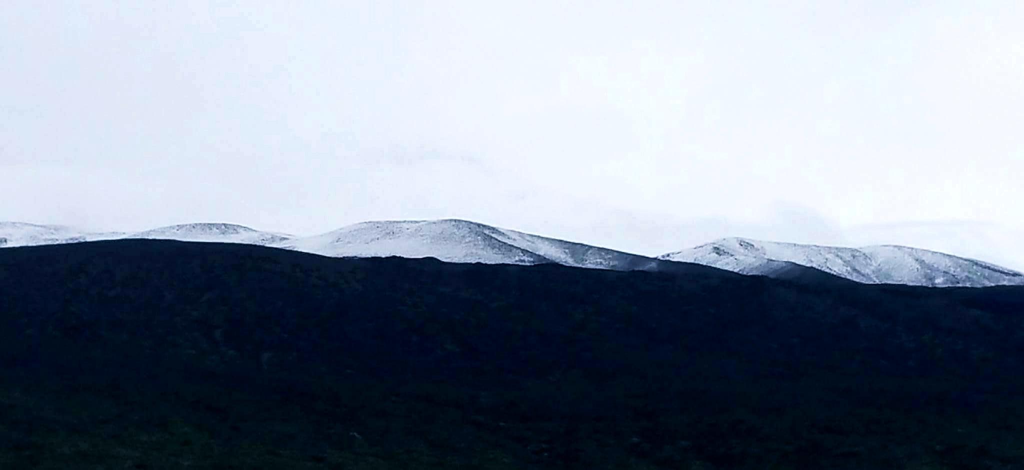 Snow blanketing Mauna Kea at Pōhakuloa Training Area, Thursday Dec. 1, 2016. Photo: Lei Smith.