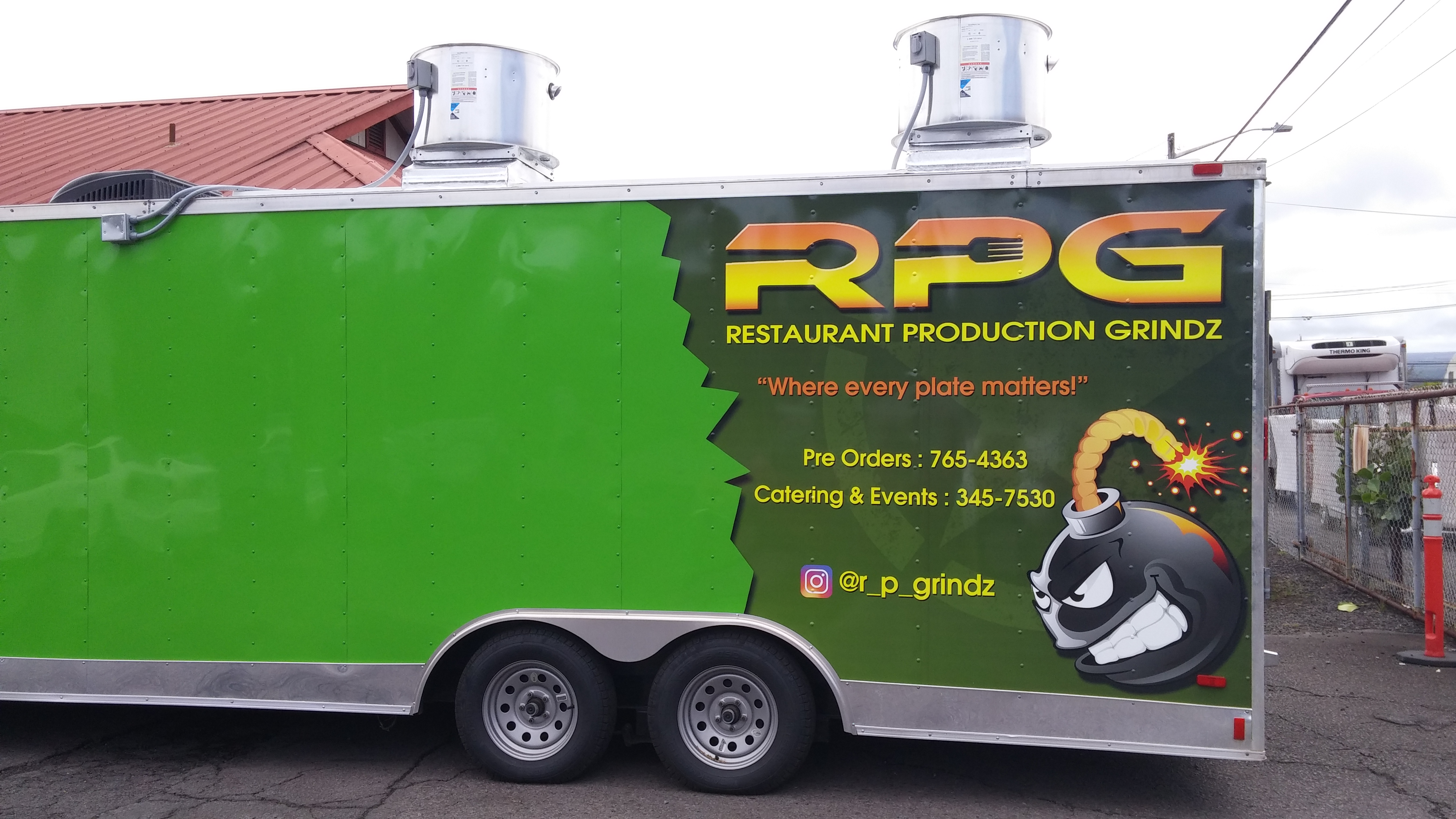 Rpg redefines 39 food truck grinds 39 big island now for Hilo fish company
