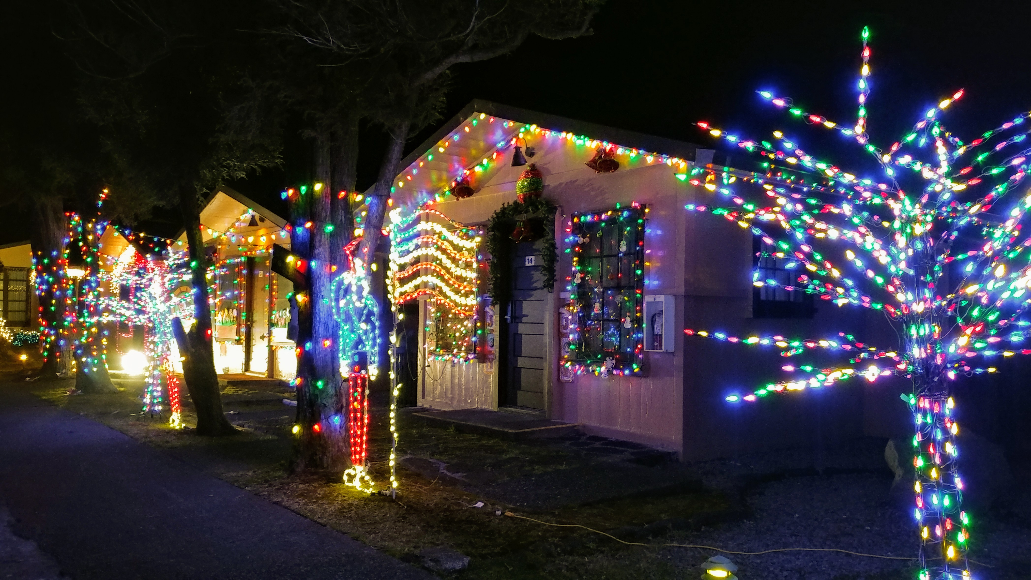 Video Photos Best Hawaii I Island Christmas Light Displays Led String Wiring Diagram In Addition Kilauea Military Camp Cabin Holiday Decorating Challenge Volcanoes National Park Dec17 2017 Pc Crystal Richard