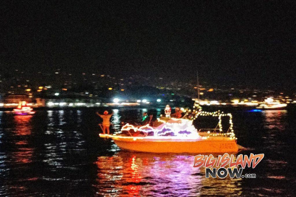 2021 Christmas Boat Parade In Kailua Kona Hawaii Kailua Kalikimaka Boat Parade Lights Up Kailua Bay Big Island Now