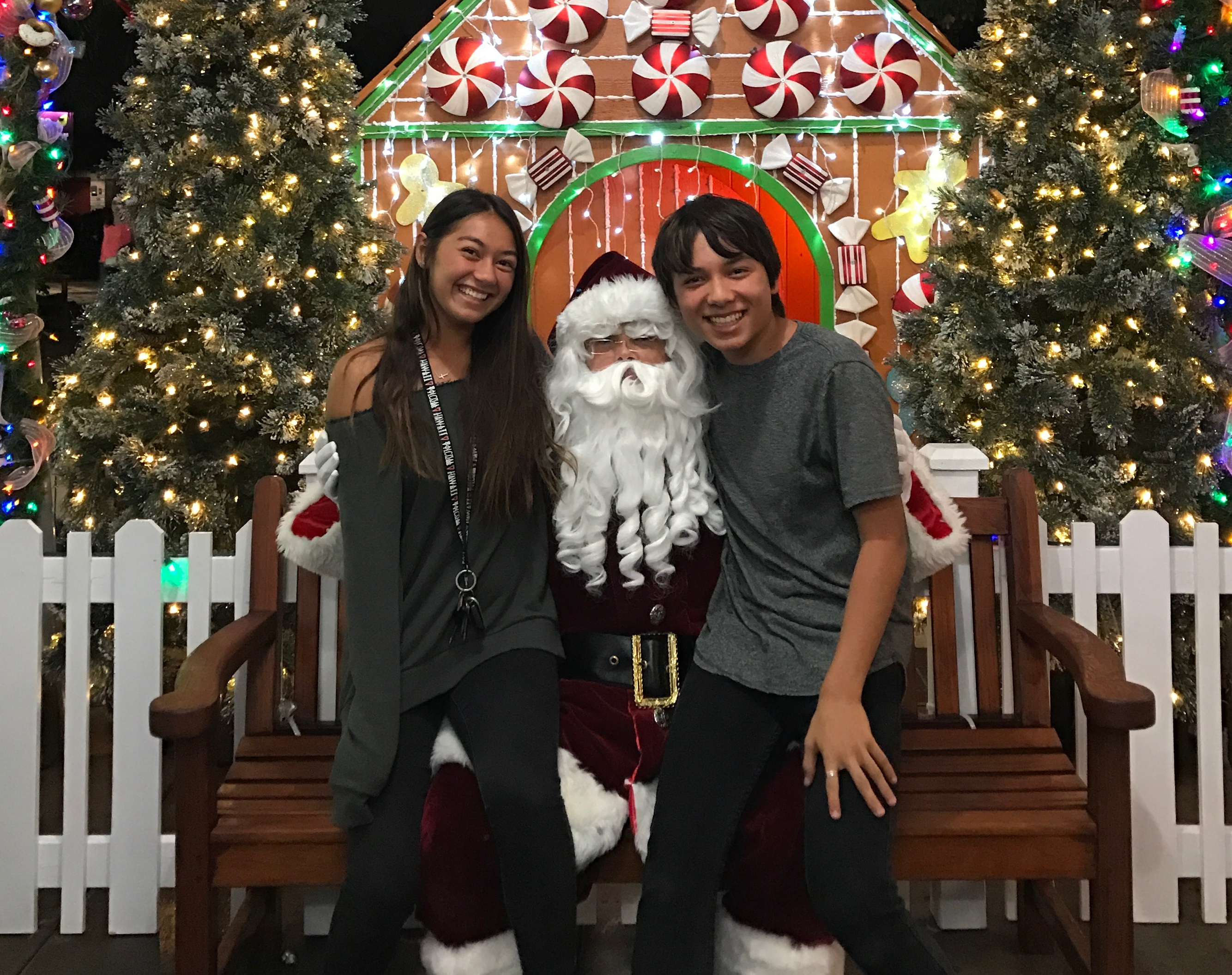naughty or nice young or young at heart all are invited to queens marketplace for a photo op with santa pc queens marketplace - Pictures With Santa Claus
